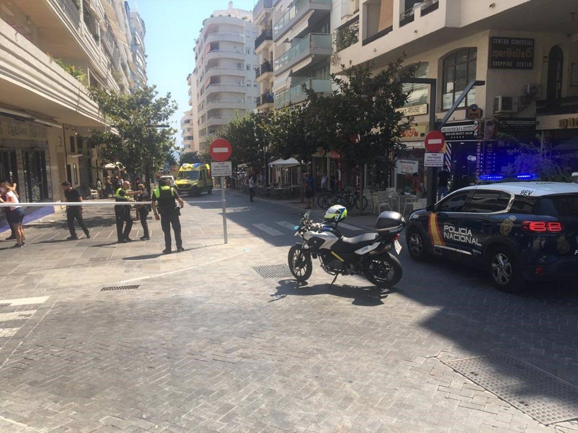 Nueve heridos en un atropello múltiple en una terraza de un bar en Marbella