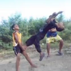 yenli Dominicanos y el baile del caballo [videos]