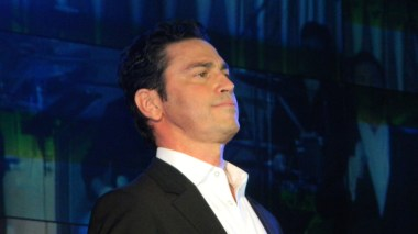 The famous Greek Tenor Mario Frangoulis participated in a charity event in NYC to raise funds for children of Greece.