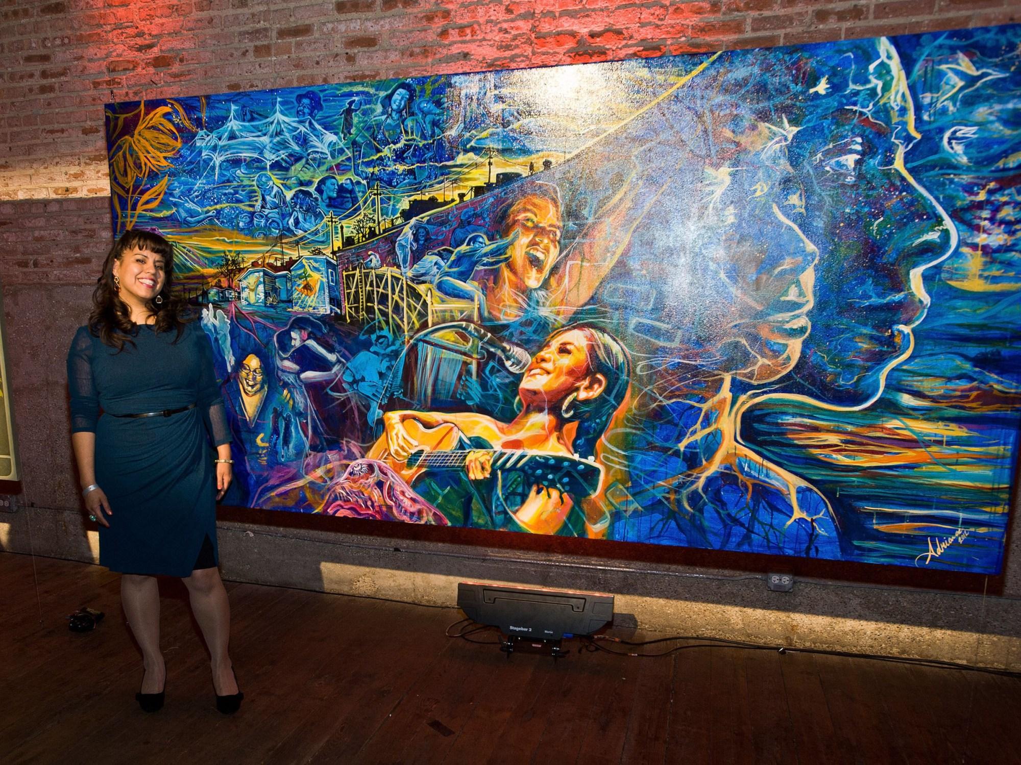 Adriana González y el Centro Cultural Aztlán reciben $15,000 respectivamente por parte de la reconocida marca de tequila Jose Cuervo. (PRNewsFoto/Jose Cuervo Tradicional)