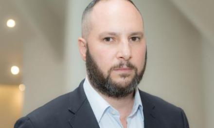 Guggenheim nombra curador para LA