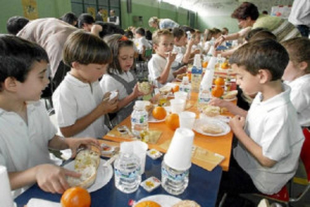 La Comunidad pagará el comedor escolar a todos los alumnos que lo ...
