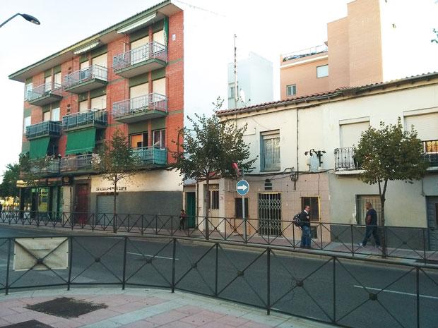 El ayuntamiento de getafe intenta dar repuesta a las for Calle jardines getafe