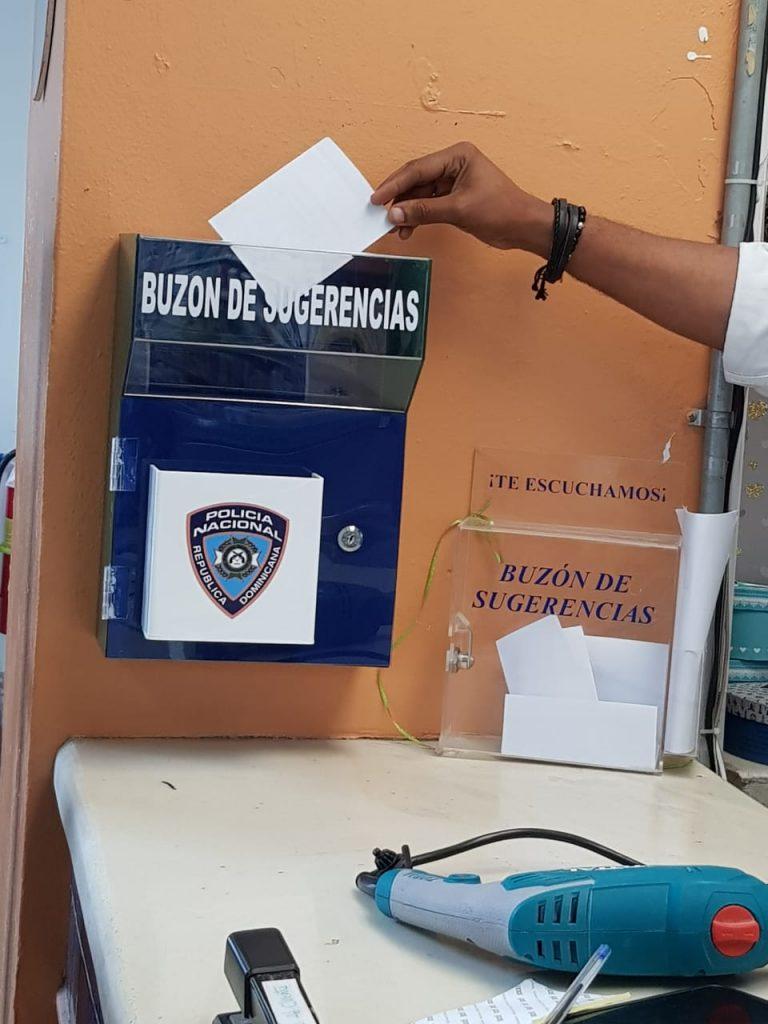 Policía Nacional instala buzones de quejas y sugerencias en entidades públicas y privadas