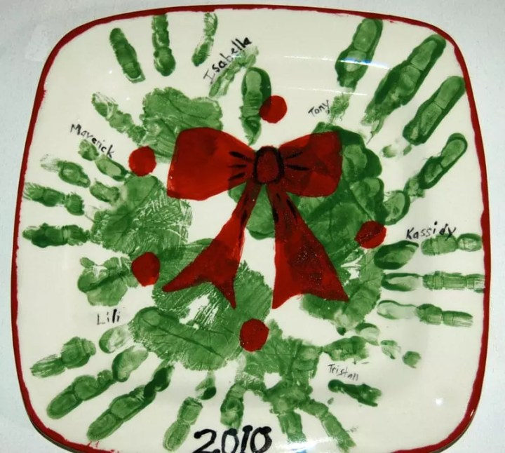 Family wreath plate