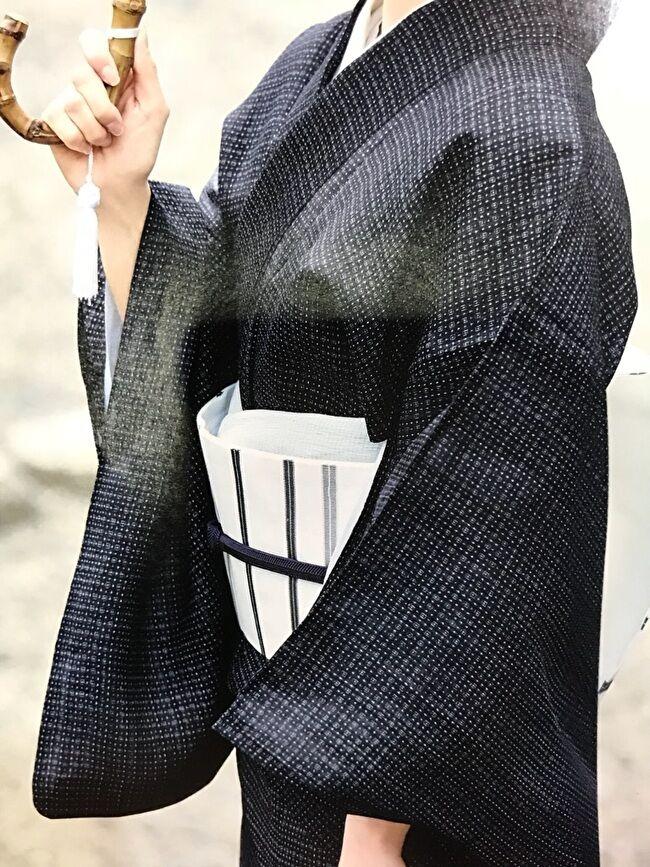 宮古上布・紺上布のナンミンタマ絣のきものと勝山健史の織り名古屋帯
