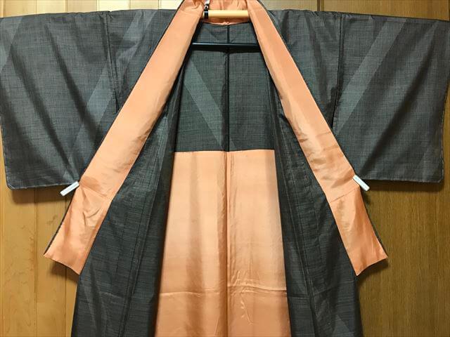 大島紬の訪問着、単衣仕立て