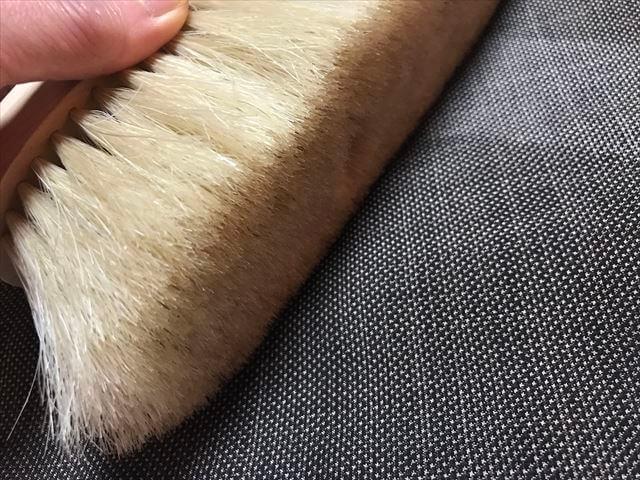 ブラシの平野の手植え水雷型のブラシの使い方。着物ブラシの正しい当て方