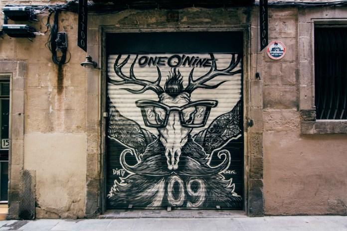 One O Nine tattoo and barber shop located at par Carrer de la Mare de Déu del Pilar in Barcelona.
