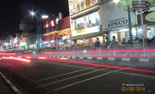 Foto Light Trail Jalan Malioboro