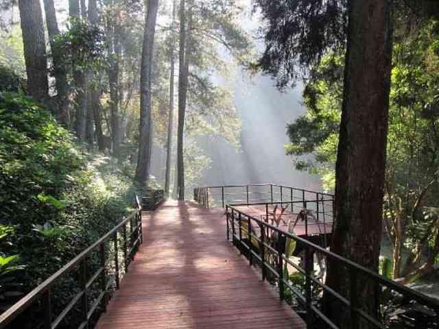 Destinasi Terbaik Untuk Liburan Bersama Keluarga - Maribaya Narutal Hot Spring Resort wisata lembang bandung