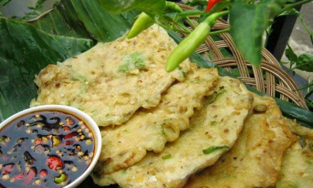 Rekomendasi Wisata Kuliner yang Wajib Kamu Coba Ketika di Purwokerto - Tempe Mendoan Purwokerto