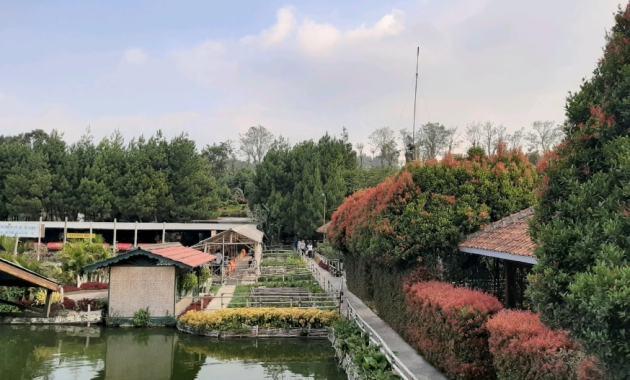 Nikmati Liburan Seru ke Floating Market Lembang dengan Traveloka Xperience - Wisata Floating Market Lembang