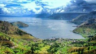 Berikut Beberapa Tempat Wisata di Indonesia yang Harus Anda Ketahui - danau toba