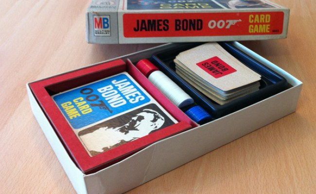 Brettspill James Bond 007 Card Game I Hennes Majestets
