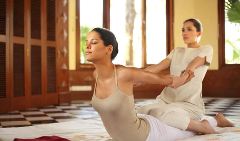 THAI CHIROPRACTIC YOGA MASSAGE
