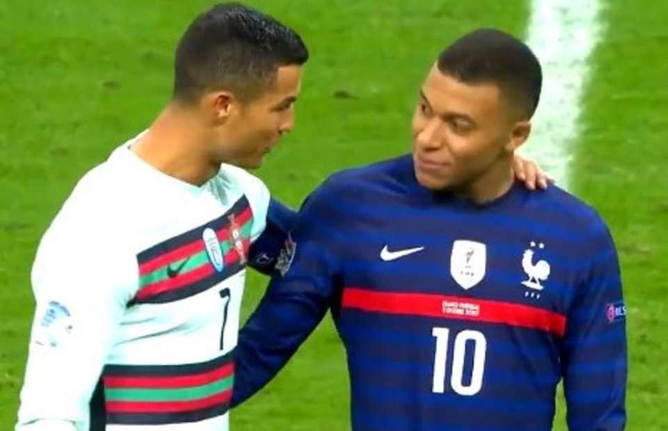 Cristiano Ronaldo & Kylian Mbappe ont partagé un beau moment à la mi-temps de France contre Portugal