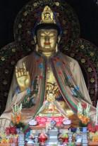 Patung Buddha dalam pagoda