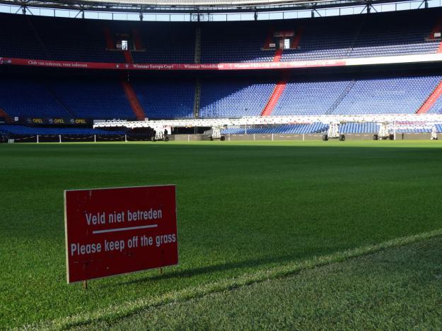Feyenoord, murawa De Kuip