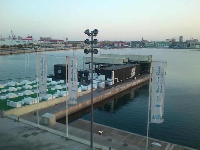 High cube bar en el puerto de valencia con contenedores - Laydown puerto valencia ...