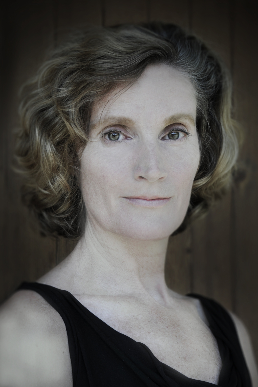 Dashing Catherine Hicks Signed Autograph And Headshot Photo Set Star Trek Iv
