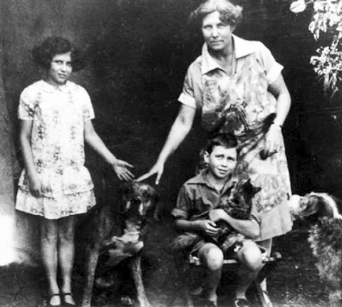 Doris Lessing with mother and brother