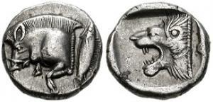 Fig. 8: Diobolo di Cizico D/ Cinghiale volante a sinistra; a destra un tonno R/ Testa di leone ruggente a sinistra; il tutto in un riquadro incuso (Classical Numismatic Group, asta elettr. 100/2004, n. 47, gr. 1,27