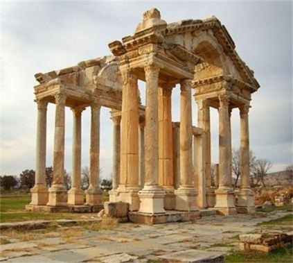 templo grego em ruinas