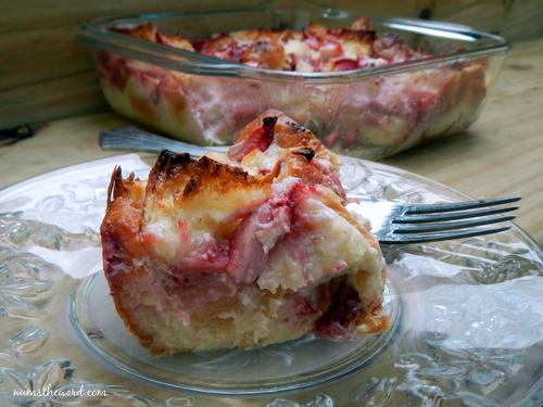 Strawberries & Cream Croissant Puff
