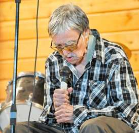 Charlie Panigoniak performs during a benefit concert in his honour in Arviat on Aug. 30, 2016. NNSL file photo