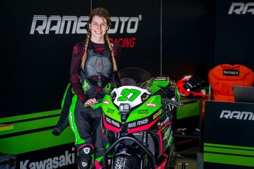 Rafaela Peixoto a 'fundo' no Campeonato Nacional de Velocidade