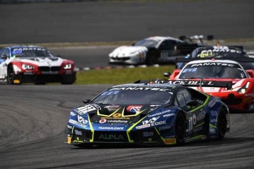 Ramos e Chaves aumentam a liderança na classificação  Pro-AM Global com o 4º lugar em Nurburgring.