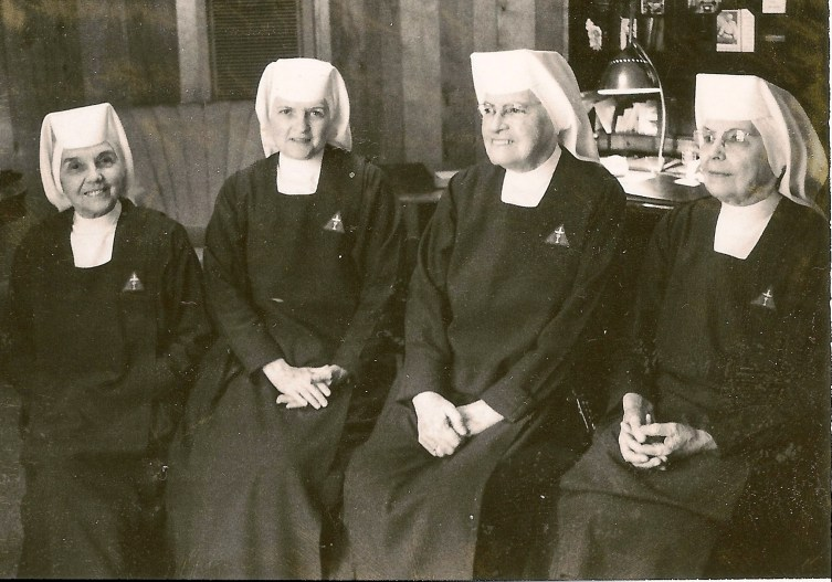 Sister Elizabeth (far left) with other pioneers in 1977.