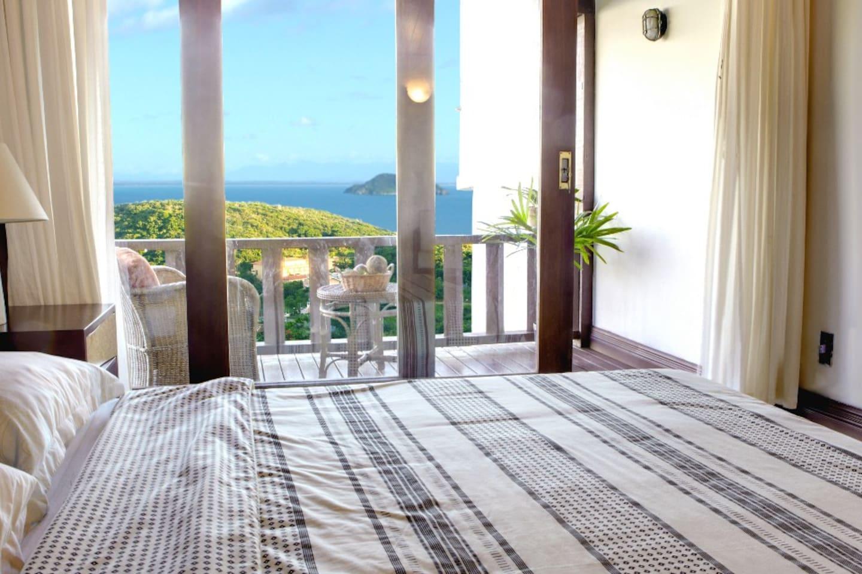 Airbnb em Búzios / Casa com vista espetacular de João Fernandes