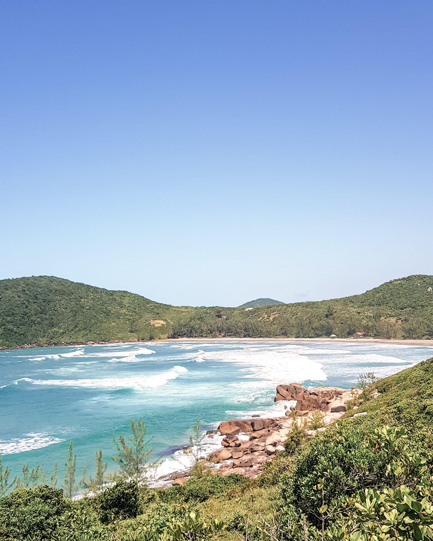 Para onde viajar em 2021 no Brasil / Praia Vermelha