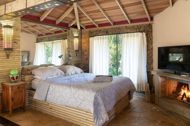 Turismo de Isolamento / Casa na Serra do Rio de Janeiro