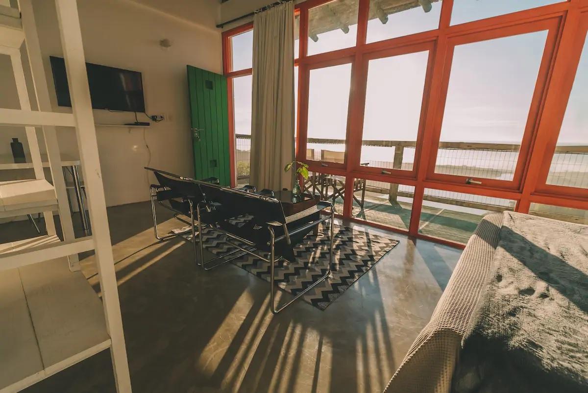 Airbnb na Praia do Rosa / Loft com banheira e vista para a praia