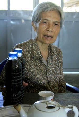 Nước tương dòng tamari của cơ sở Thuần Chay ở ấp 7, xã Tân Tây, huyện Gò Công Đông, tỉnh Tiền Giang. Ảnh: Tấn Tới