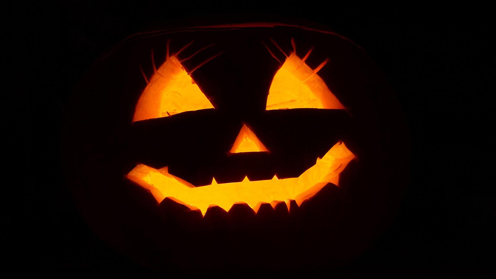 Intagliare Zucca Per Halloween Disegni zucca e non solo: tante idee per decorare la casa per halloween