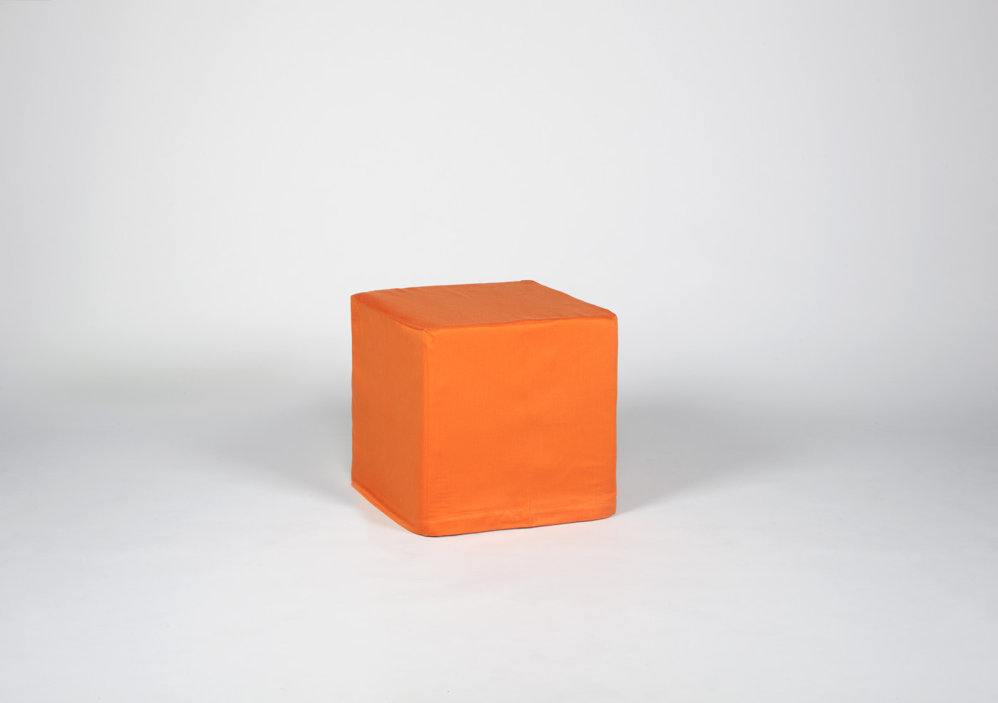 Nuovi Piatti  Puff cubo