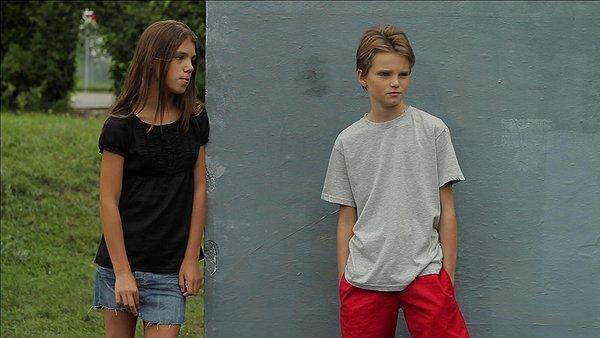Laure/Michael (a destra) con l'amica Lisa