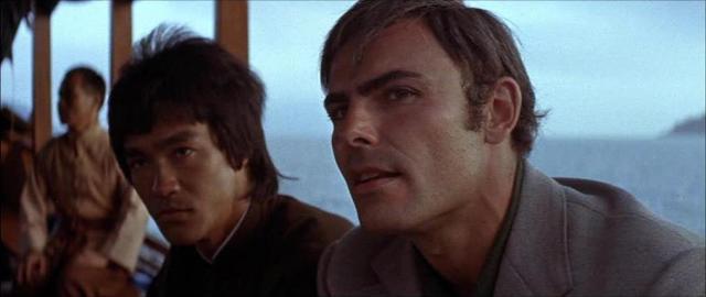 Bruce Lee con John Saxon