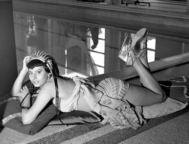Sophia Loren - Due notti con Cleopatra (1953) - Two Nights With Cleopatra