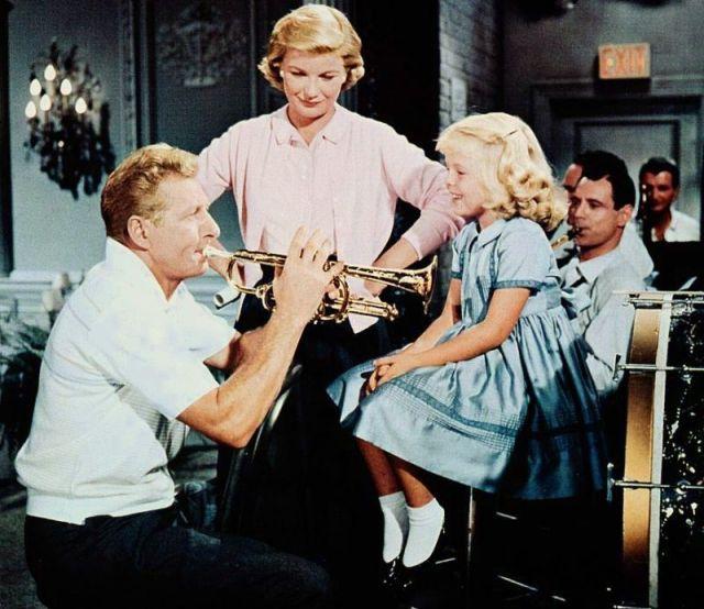 danny-kaye-and-susan-gordon-the-five-pennies-1959-1-s1-ct38