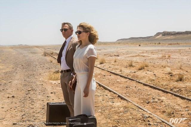 sembra Il tè nel deserto: è Bond