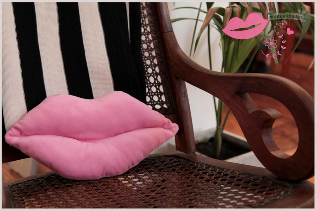 Almohadon-de-labios-para-una-decoracion-divertida-5895