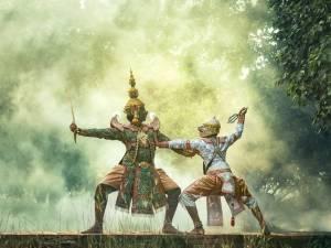 Tari kreasi adalah jenis tarian yang diinovasi dengan menyesuaikan gerakan tubuh secara berirama yang dilakukan di tempat dan waktu tertentu.