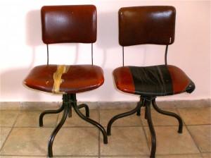 כיסאות משרד אנגליים בני כ-70 שנה.