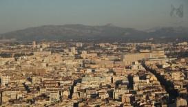 Ylhäältä näkyy ihan koko kaupunki.