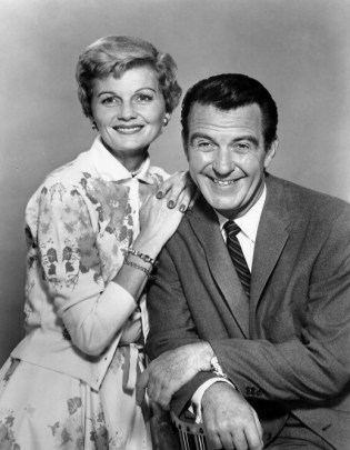 Barbara Billingsley and Hugh Beaumont as June and Ward Cleaver from Leave it to Beaver. (ABC/Wikimedia)